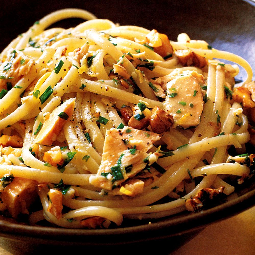 Linguine with Tuna, Walnuts, Lemon, and Herbs