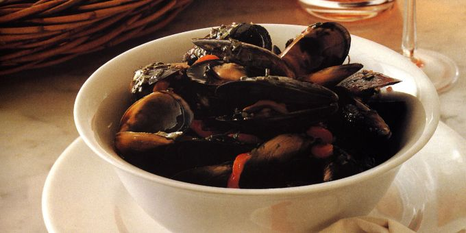 Steamed Mussels with Fresh Herbs