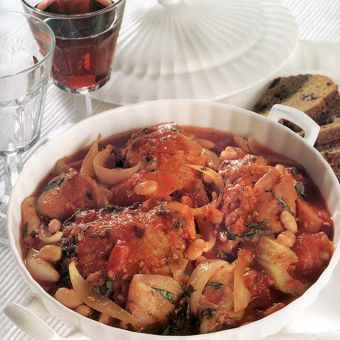 Hearty Chicken Casserole with Rye and Raisin Bread
