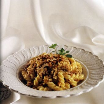 Fusilli with Pecan and Cream Cheese Sauce