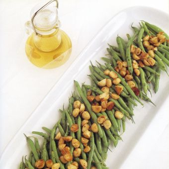 Green Bean Salad with Roasted Macadamia Nuts and Macadamia Nut Oil Vinaigrette