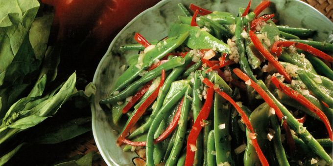 Navy Bean, Red Pepper, and Green Bean Salad