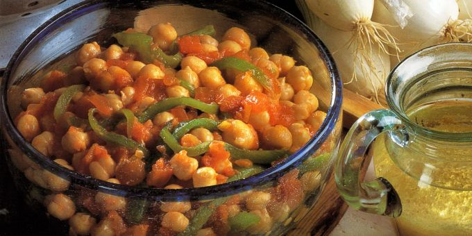 Spanish Chickpeas and Peppers with Tomatoes