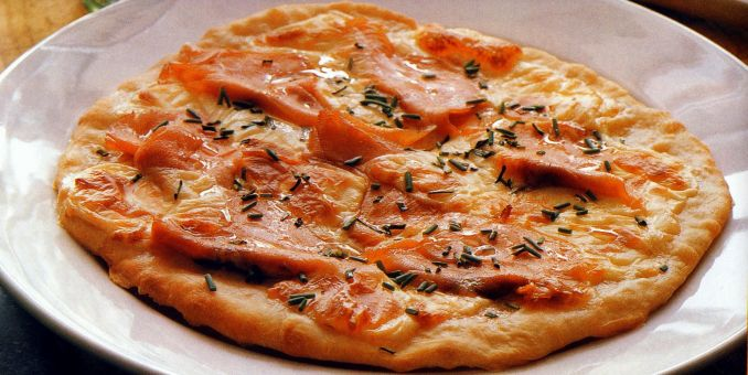 Pizza with Smoked Salmon and Mozzarella