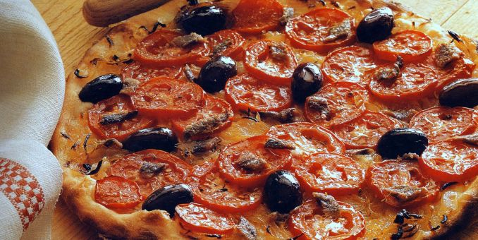 Pizza with Onion, Anchovies and Olives