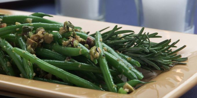 Green Beans with Lemon, Rosemary and Pistachios