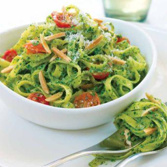 Spinach-Almond Pesto with Linguini