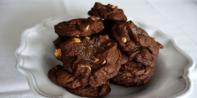 Salted Chocolate Peanut Cookies