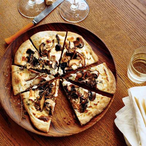 Mushroom-and-Goat Cheese Bechamel Pizzas