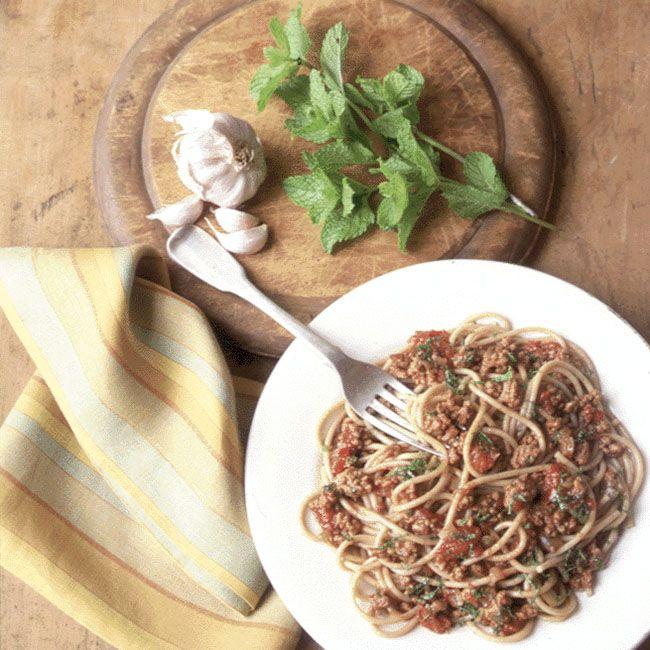 Whole-Wheat Spaghetti with Lamb, Tomato, and Cumin Sauce
