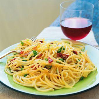 Spaghettini with Onions, Scallions and Garlic