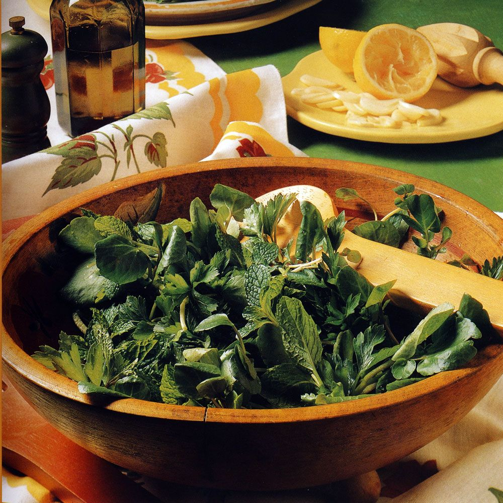 Parsley, Mint and Watercress Salad with Garlic