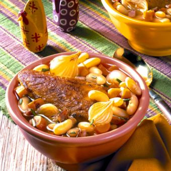 Chicken with Garlic, Rosemary and White Bean Stew