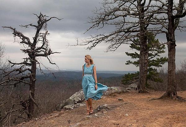 So beautiful dress, love it!