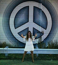daisy lace & peace signs