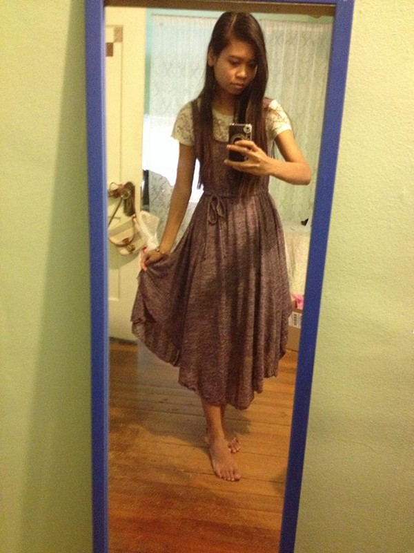 I'm 5'3' and it looks almost like a midi-maxi dress on me, but I love the look. Such soft material.