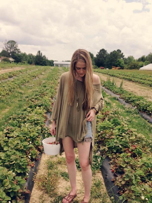 picking strawberries in my big dipper tee :)