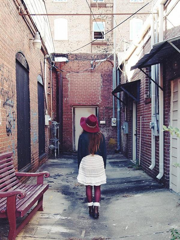 safari in an alley