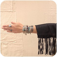 Etched Skinny Bracelet style pic