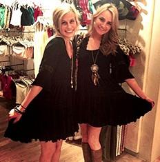 Daisy Lace Dress twin style