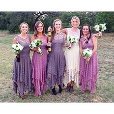 Bridesmaids-Beer--Bouquets-Texas-Wedding-
