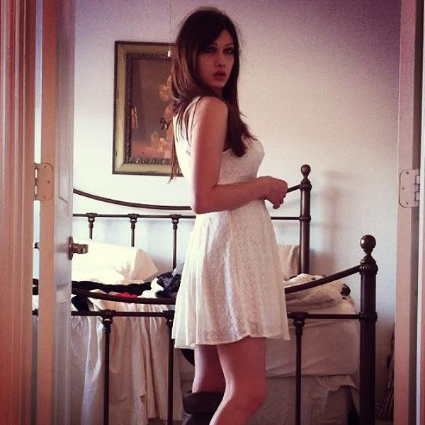 Fitted With Daisies Dress style pic