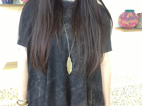 Feather Pendant Necklace style pic