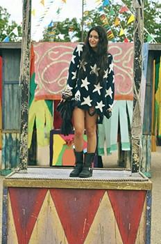 Jasmine Fringe Bag style pic