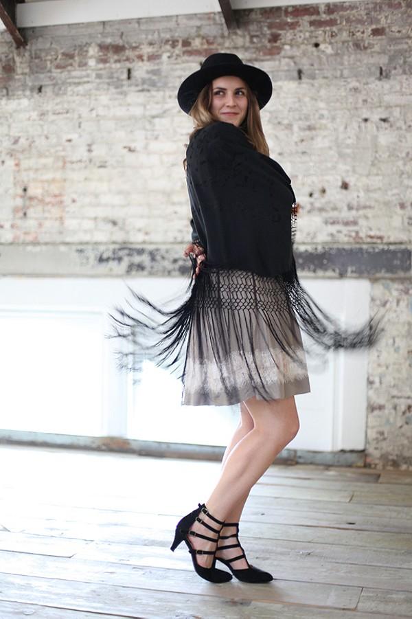 Georgia Lace Dress style pic