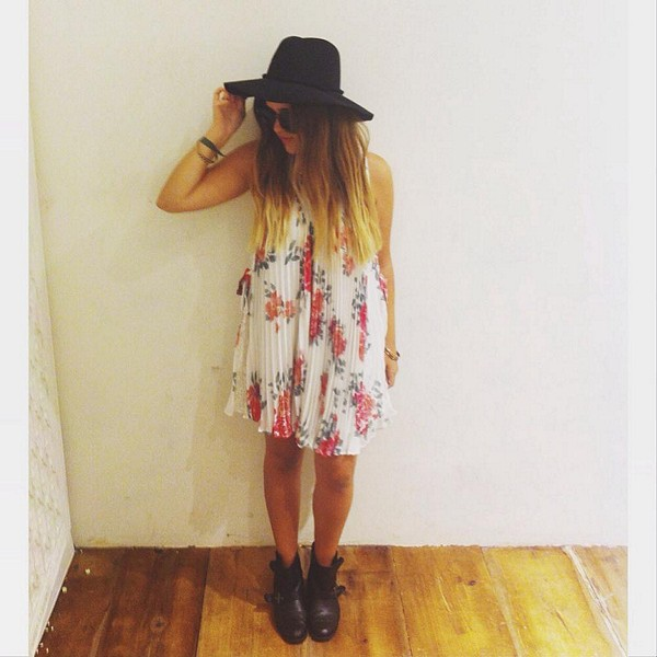 girly dress // black accessories // my kind of outfit