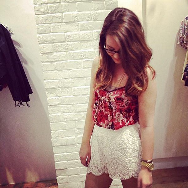 Scalloped Lace Skort style pic