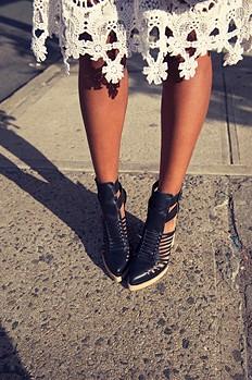 Fairfax Heel style pic