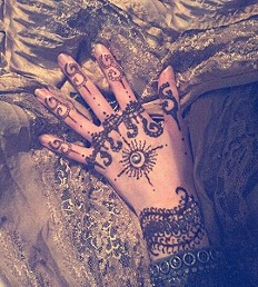 Henna Set style pic