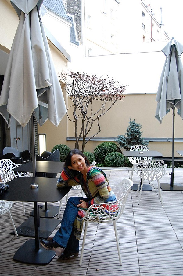 Free People in Boulogne-Billancourt, France
