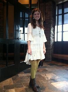 Daisy Lace Dress style pic