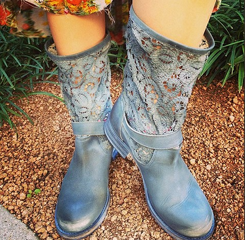 Crochet Beau Boot style pic via Instagram: freepeo