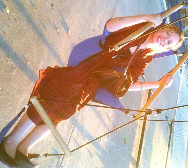 It's difficult to swing sideways ; /